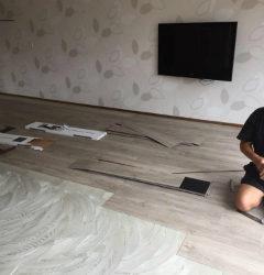 PVC vloer wordt gelegd